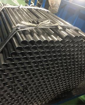 スチール鋼管の旋盤切断と両側外面取り加工