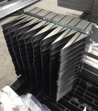 スチール鋼管 STKMRK 40x25x1.2 18°の鋭角度切断