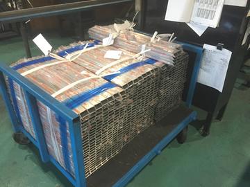 ステンレス鋼管長さ600~800計600本の丸鋸切断加工